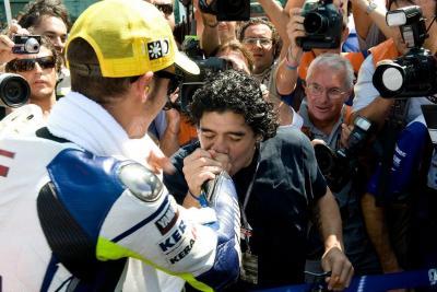 Star e campioni dello sport, l'omaggio ai 40 anni di Rossi