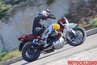 Test Moto Guzzi V85 TT: nuova razza