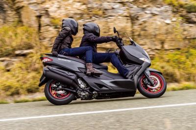 Scooter, tutte pessime le sospensioni posteriori