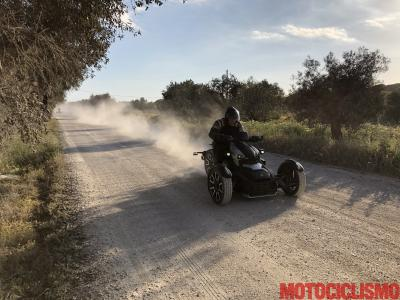 Test Can-Am Ryker: divertimento a tre ruote