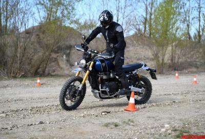 Con l'Adventure Experience Triumph insegna la guida in off road
