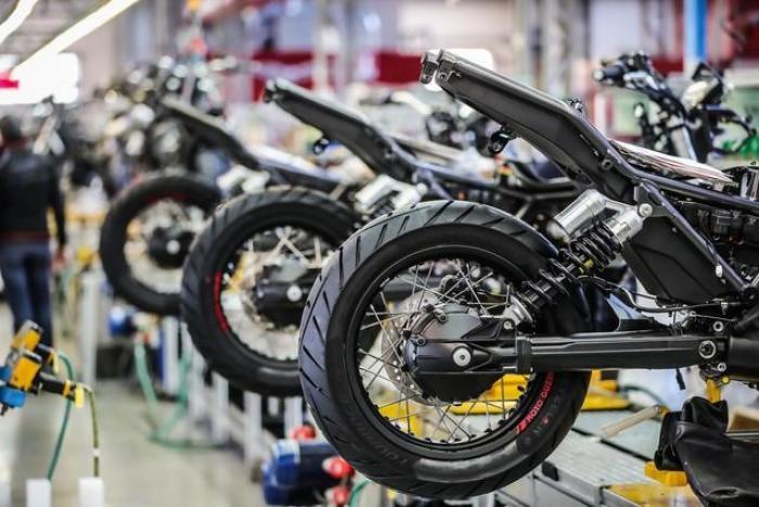 Bella la V85 TT, ma Moto Guzzi dovrebbe cambiar marcia