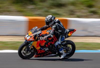 "Oliveira ""trasforma"" la Yamaha R1 in una... KTM"