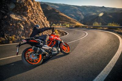 "Con ""KTM Power Duke"" l'Akrapovič è in omaggio"