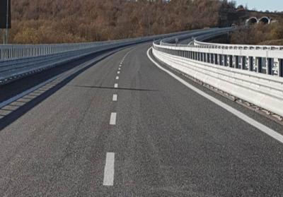 """In arrivo l'obbligo delle barriere """"salva motociclisti"""""""