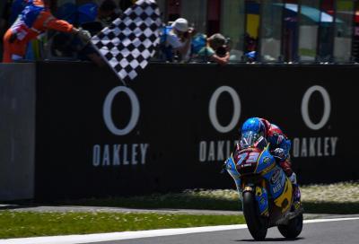 Alex Marquez vince in Moto2. Marini 2°, rimonta di Baldassarri