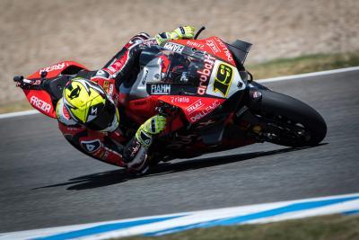 Bautista scappa e conquista gara 1 a Jerez