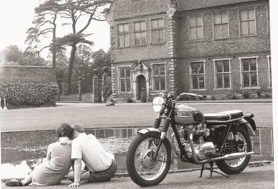 Molto british: la Bonneville T120 del 1965