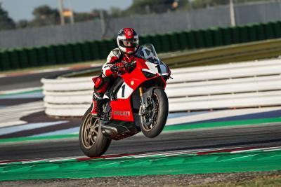 Ducati presenta la Panigale V4 25° Anniversario 916