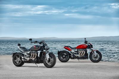 """Triumph presenta la nuova Rocket III. Due le versioni: """"GT"""" e """"R"""""""