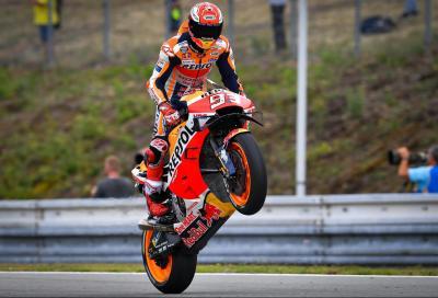 Marquez come Doohan a Brno, KTM in prima fila