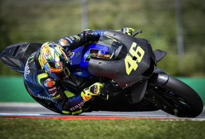 Rossi in pista con la Yamaha M1 2020