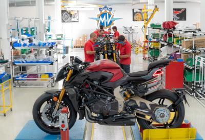 Iniziata la produzione della MV Agusta Brutale 1000 Serie Oro