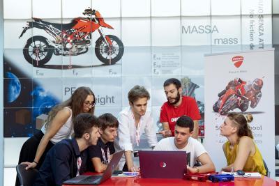 """Doppia edizione per la Summer School """"Fisica in Moto"""" di Ducati"""