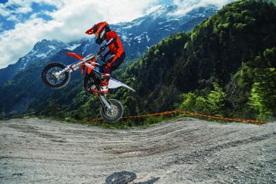 KTM lancia la minicross elettrica SX-E 5