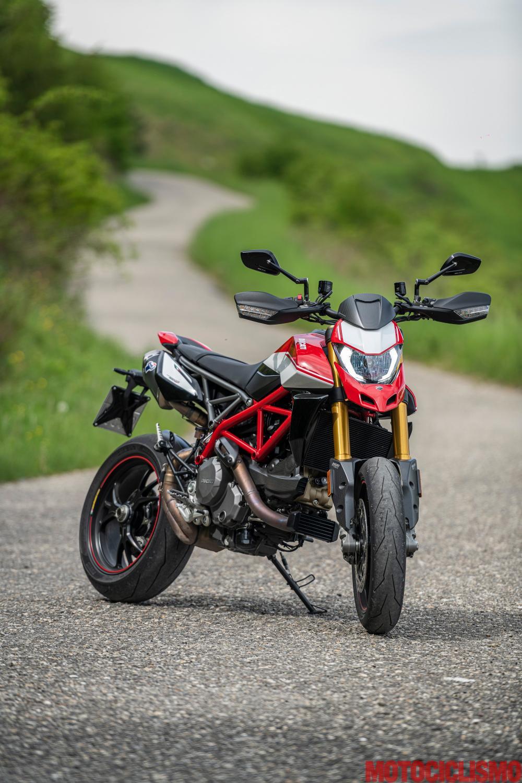 marchi riconosciuti diventa nuovo buono Supermotard: Ducati Hypermotard 950 SP vs KTM 690 SMC R - Motociclismo