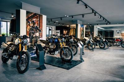 Apre a Milano il più grande flagship store Triumph d'Europa