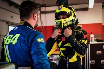 Rossi prova la Ferrari 488 GT3: correrà con Marini e Uccio