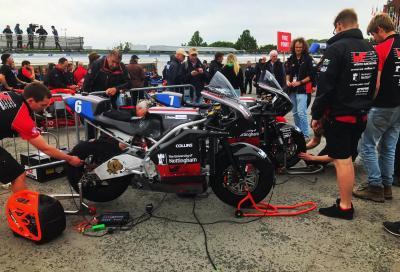 Il Tourist Trophy stacca la spina alle moto elettriche