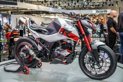 Hero Xtreme 1.R concept, naked moderna e aggressiva