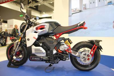 Ottobike MCR S, la pitbike elettrica da 140 km/h