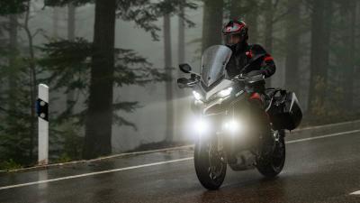 In azione sulla nuova Ducati Multistrada 1260 S Grand Tour