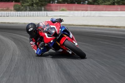 Marquez in pista con la nuova Fireblade