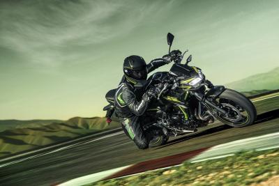 In azione con la nuova Kawasaki Z650