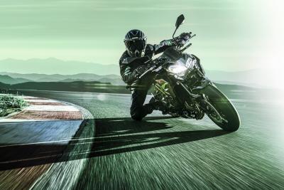 In azione con la nuova Kawasaki Z900