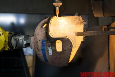 L'articolo di tecnica più letto: come nasce un casco Shoei