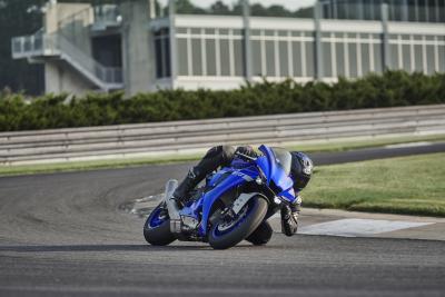 """Yamaha R1 2020: """"2 secondi più veloce della precedente generazione"""""""