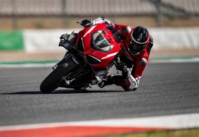 In pista a Portimão con la Ducati Superleggera V4