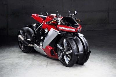 """100.000 euro per la """"moto a 4 ruote"""" Lazareth LM 410"""