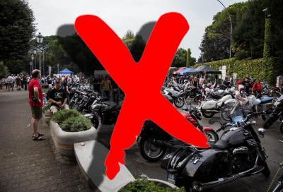 Raduni, gare e corsi sospesi in tutta Italia