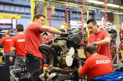 Ducati: riparte la produzione!