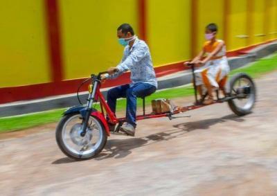 Covid Bike, la moto che rispetta il distanziamento sociale