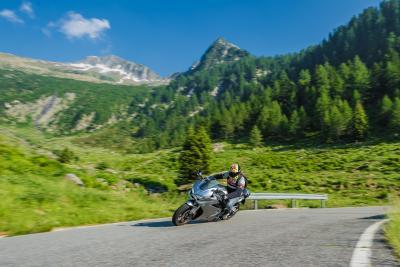 Il contentino regionale e l'assurdo blocco delle moto in Italia