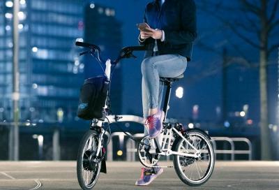 Brompton lancia la prima e-bike