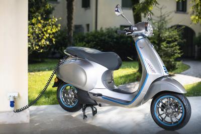 Moto e scooter elettrici, incentivi fino a 4.000 euro