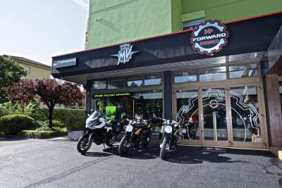 Apre Forward garage, nuovo store di MV Agusta