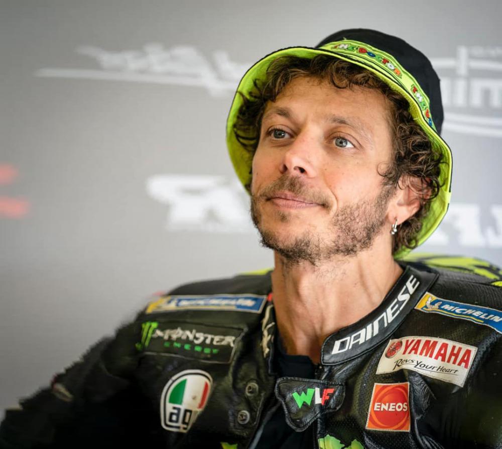 Valentino Rossi resta in MotoGp: firma con la Petronas per due stagioni