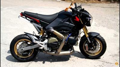 Il motore della Panigale 1199 R montato su una Honda Grom