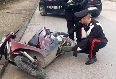 Corda tesa su strada, ferita una ragazza in scooter