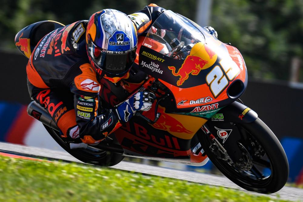 Paura in Moto2, terribile incidente sul circuito di Spielberg: gara sospesa