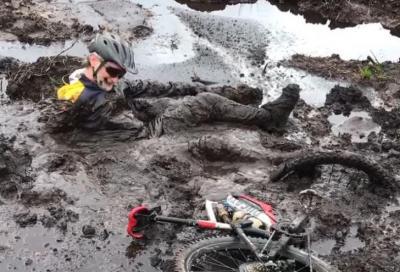 Fogarty, cosa combini? Uscita in e-bike con bagno nel fango