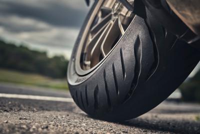 Bridgestone lancia Battlax Sport Touring T32 e T32GT
