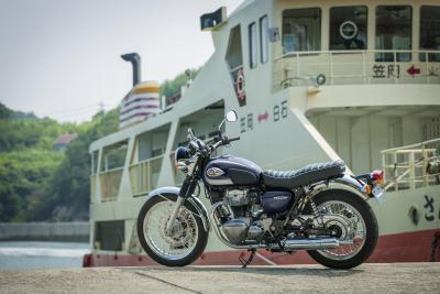 Kawasaki rinnova la classica W800