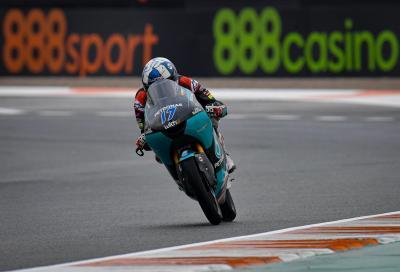 McPhee danza sull'acqua e conquista la pole della Moto3 al GP d'Europa