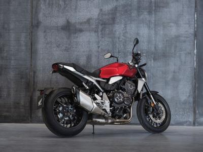 Honda CB1000R, per il 2021 la maxinaked di Tokyo si aggiorna