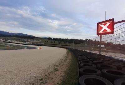 Pannelli luminosi obbligatori per le piste di MotoGP e SBK